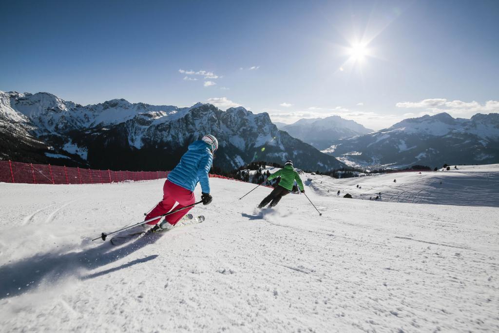 Giornata tipo sugli sci a Canazei